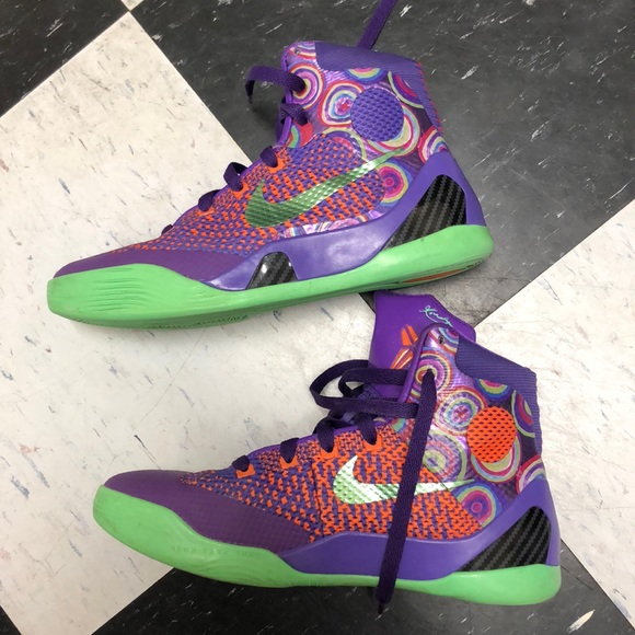 Nike Kobe 9 Elite Purple 5.5Y excellent condition.  M 5b5c84c07c979d24a1bc4315 bf213c387e